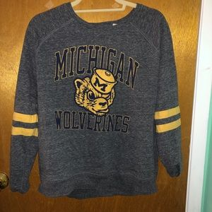 American Eagle Michigan Tailgate Wolverines Shirt